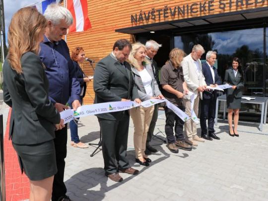 VLS na Olšině slavnostně otevřely novou naučnou stezku